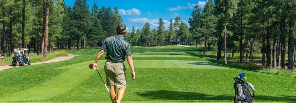 Avant d'amorcer le « swing » parfait sur le parcours de golf